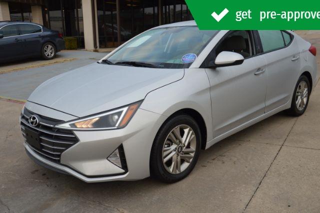 Hyundai Elantra 2019 price $17,679