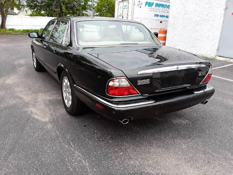 Jaguar XJ-Series 2001 price $4,400