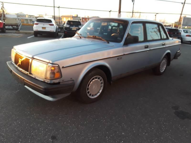 Volvo 240 1991 price $3,800