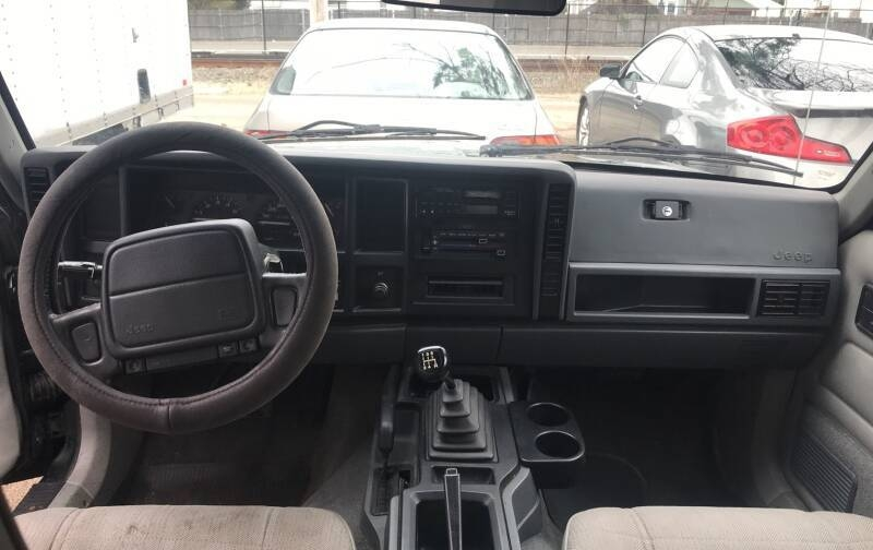 Jeep Cherokee 1996 price $4,475