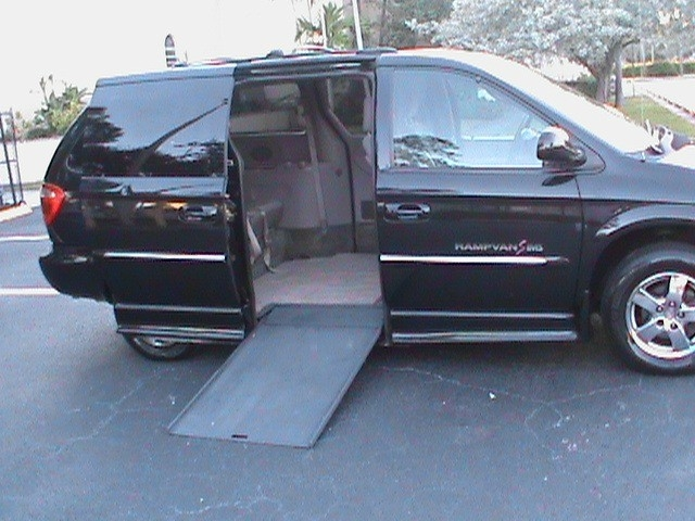 441d523b70 2003 Dodge Caravan Braun IMS Wheelchair Van - Wheelchair Vans ...