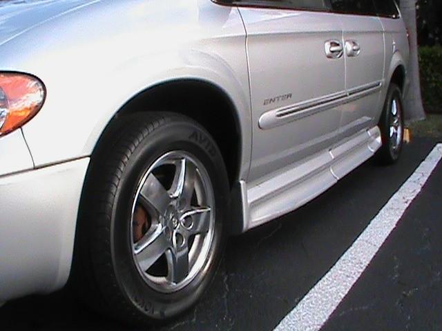 Dodge Grand Caravan 2003 price $10,900