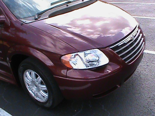 Chrysler Town & Country 2007 price $13,900