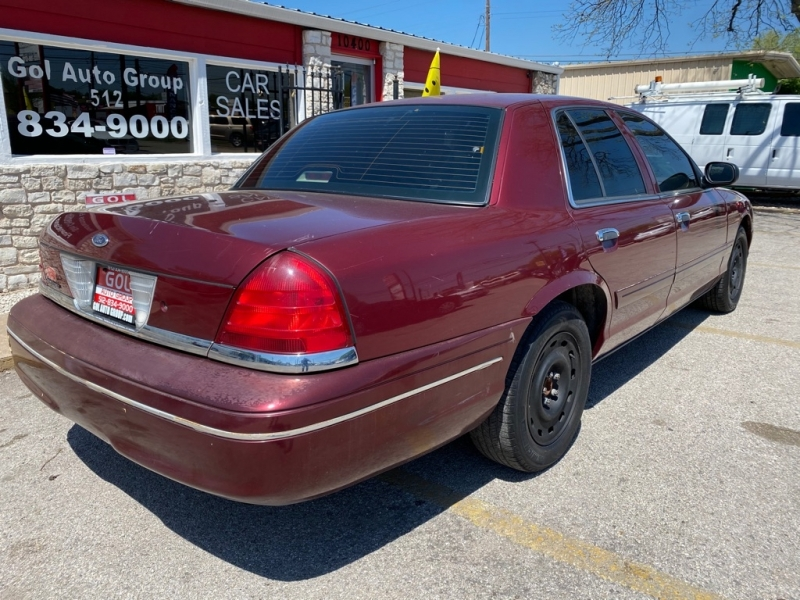 FORD CROWN VICTORIA 2004 price $2,785