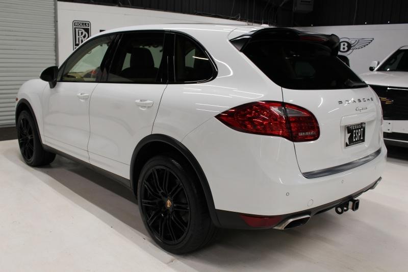 Porsche Cayenne 2014 price $24,950