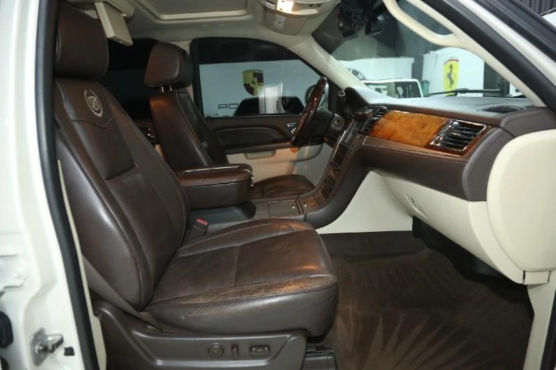 Cadillac Escalade 2011 price $25,950