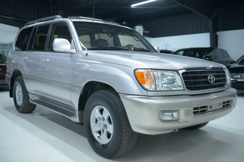 Toyota Land Cruiser 2000 price $9,937