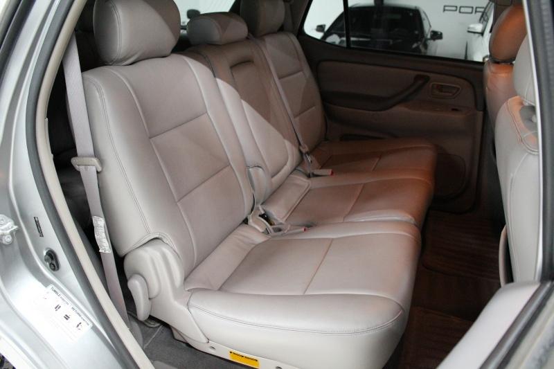 Toyota Sequoia 2005 price $7,950