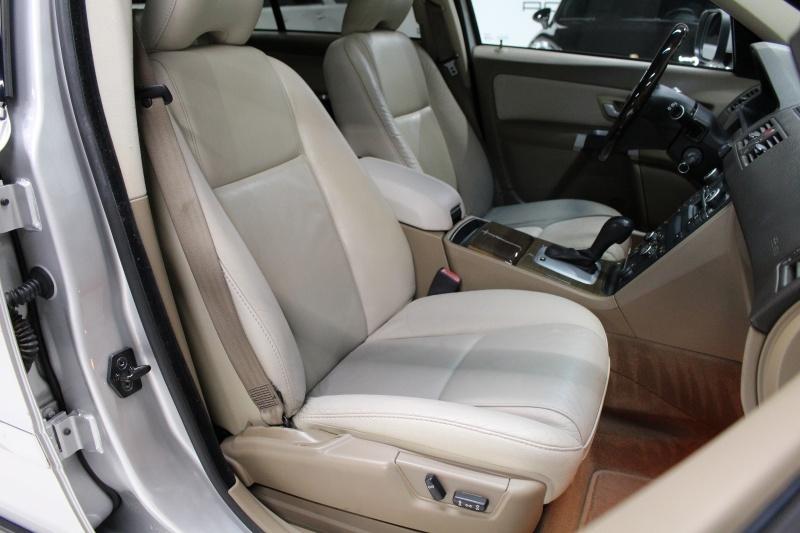 Volvo XC90 2010 price $7,950