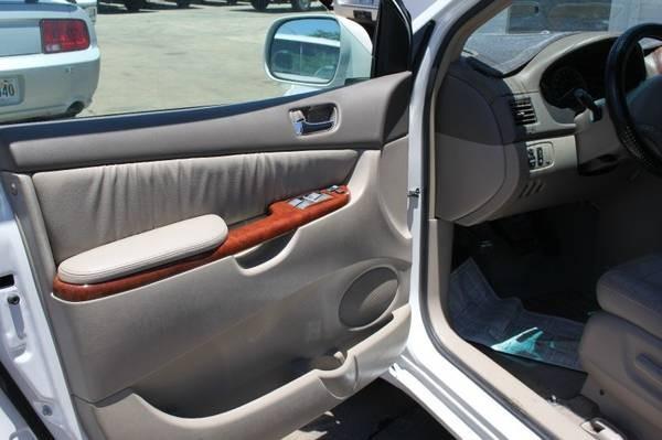 Toyota Sienna 2004 price 5999