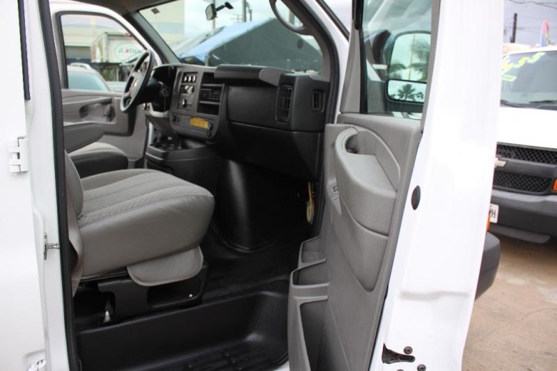 Chevrolet 1500 Express Cargo Van 2014 price $18,999