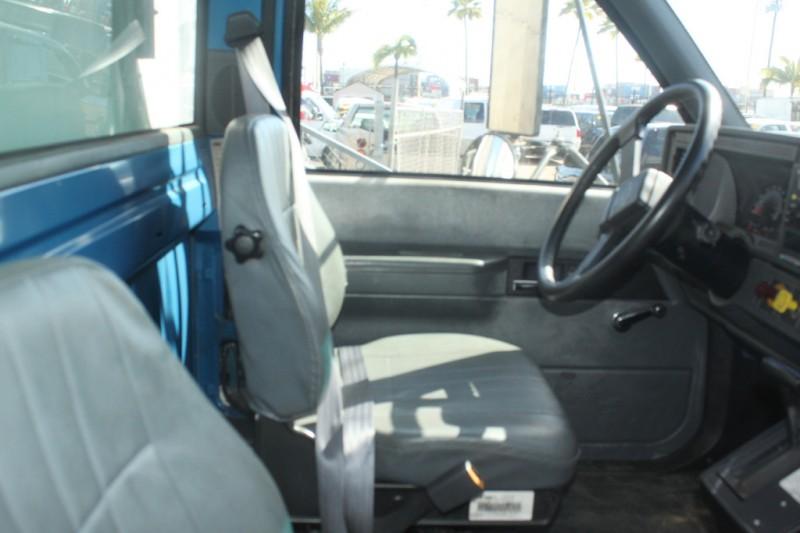 Chevrolet C6500 Refrigeration Box Truck 71K 2000 price $9,999