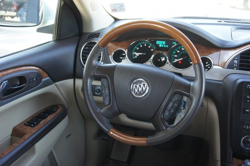 Buick Enclave 2011 price $9,900