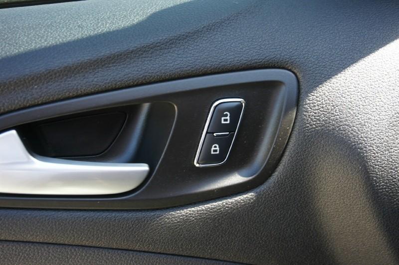 Ford Escape 2016 price $15,500