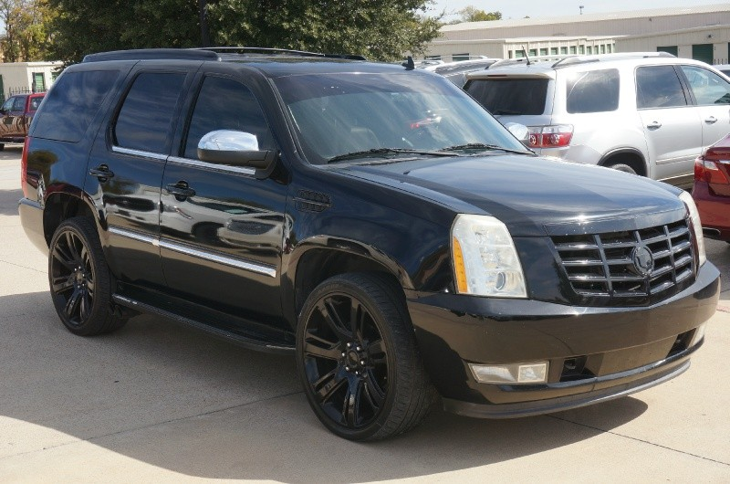 Cadillac Escalade 2008 price $14,900