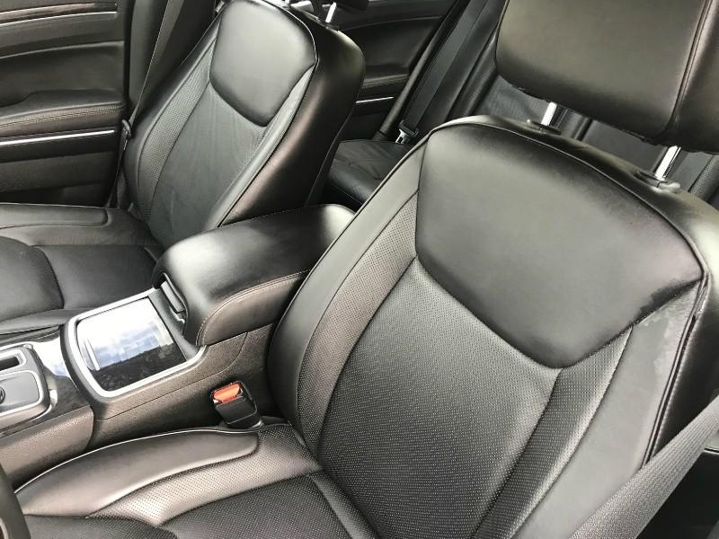 Chrysler 300 2018 price $22,900