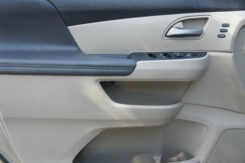 Honda Odyssey 2011 price $13,900
