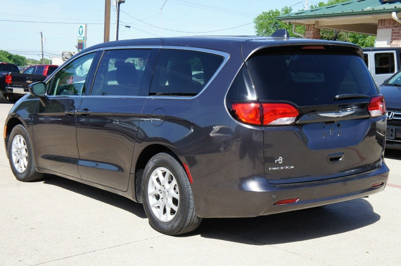 Chrysler Pacifica 2017 price Call for Price