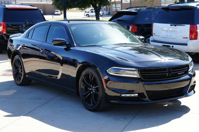 Dodge Charger 2016 price $17,900
