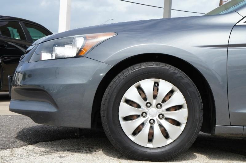 Honda Accord Sdn 2012 price $9,900