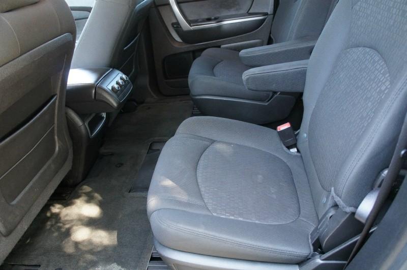GMC Acadia 2009 price $8,900