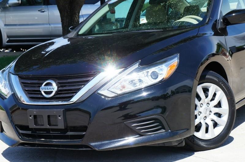 Nissan Altima 2016 price $14,900