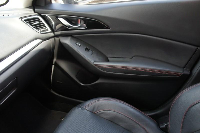 Mazda Mazda3 2015 price $13,500