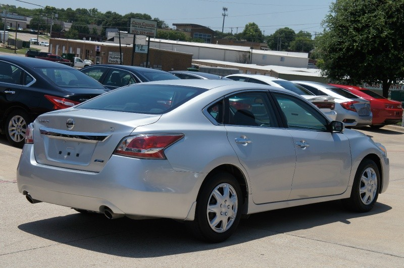 Nissan Altima 2014 price $12,450