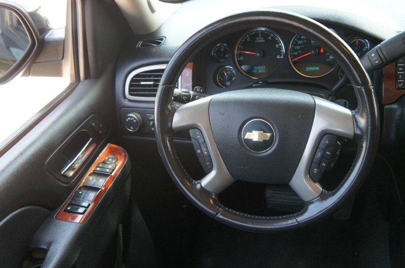 Chevrolet Suburban 2012 price $14,900