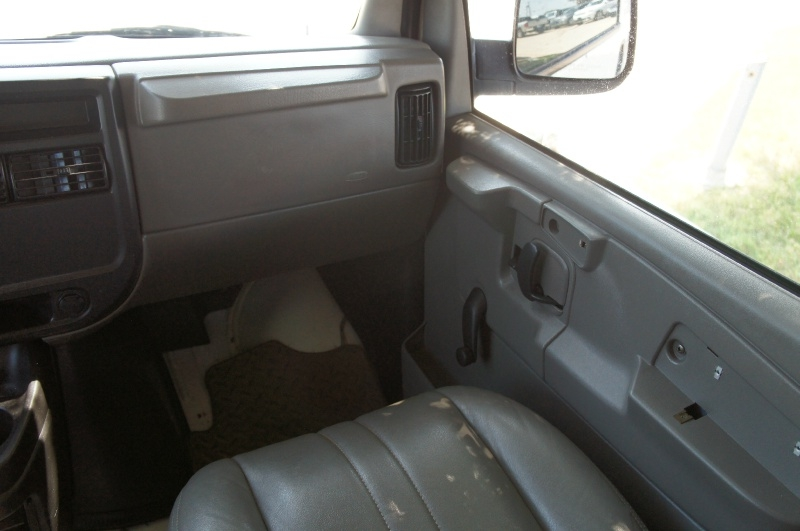 Chevrolet Express Cargo Van 2006 price $6,995