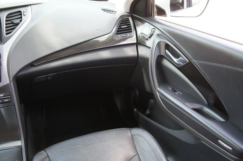 Hyundai Azera 2015 price $12,900