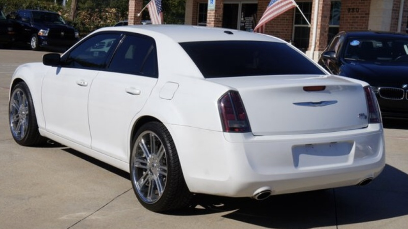 Chrysler 300 2014 price $14,900