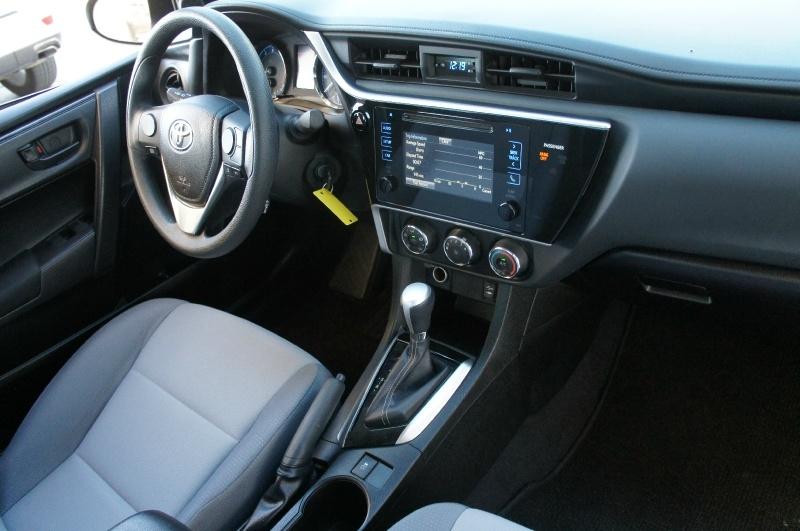 Toyota Corolla 2017 price $15,900