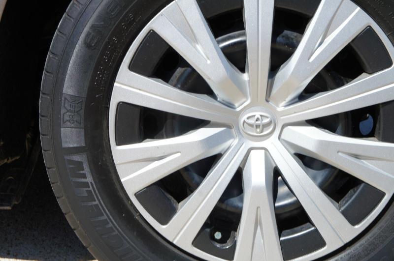 Toyota Camry 2018 price $20,900
