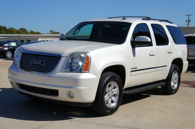 GMC Yukon 2011 price $15,500