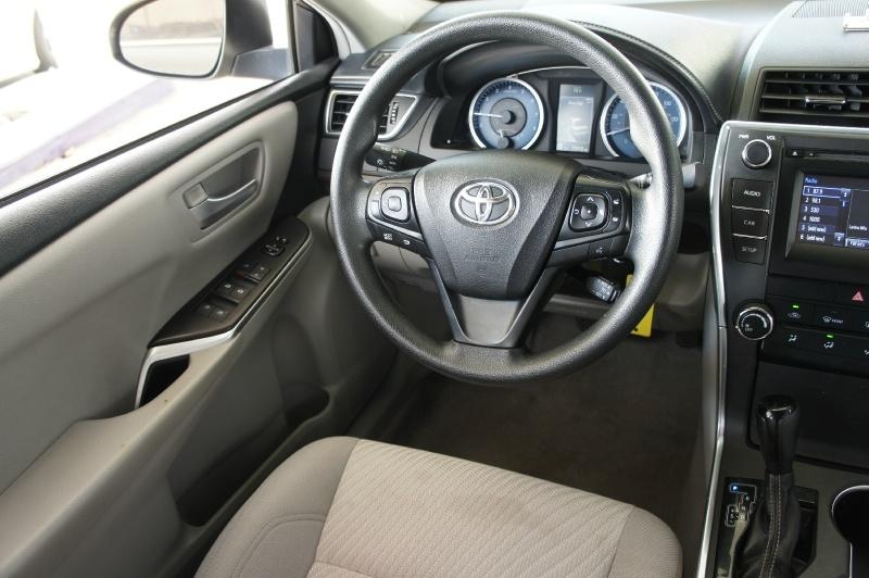 Toyota Camry 2017 price $15,900