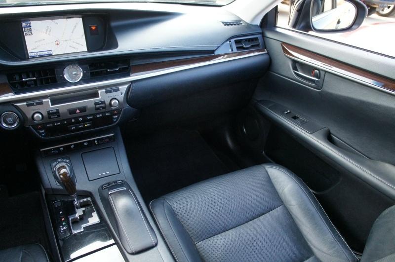 Lexus ES 350 2013 price $17,900