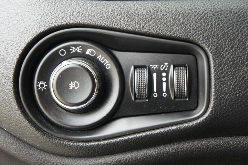 Jeep Renegade 2016 price $14,950