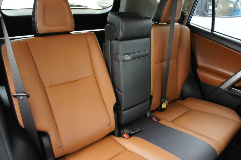Toyota RAV4 2018 price $20,900