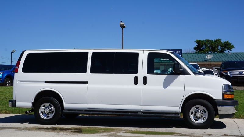Chevrolet Express Passenger 2019 price $23,950