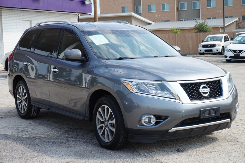 Nissan Pathfinder 2015 price $14,550