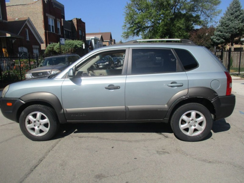 HYUNDAI TUCSON 2005 price Call for Pricing.