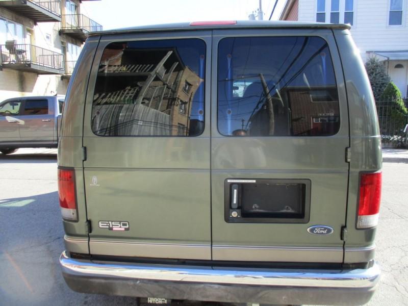 FORD ECONOLINE 2003 price $4,995