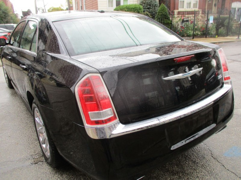 CHRYSLER 300 2013 price $8,995