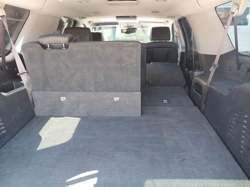 GMC Yukon XL 2015 price $38,997