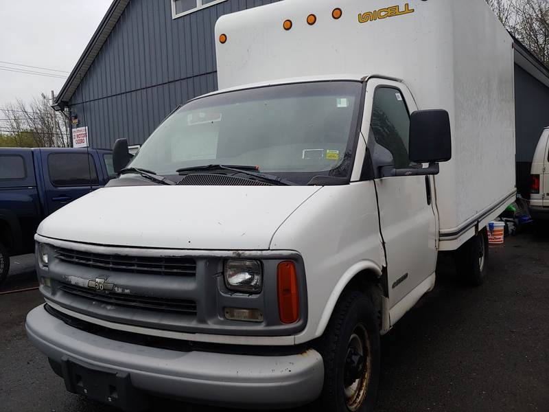 Chevrolet Express Cutaway 2002 price $9,997