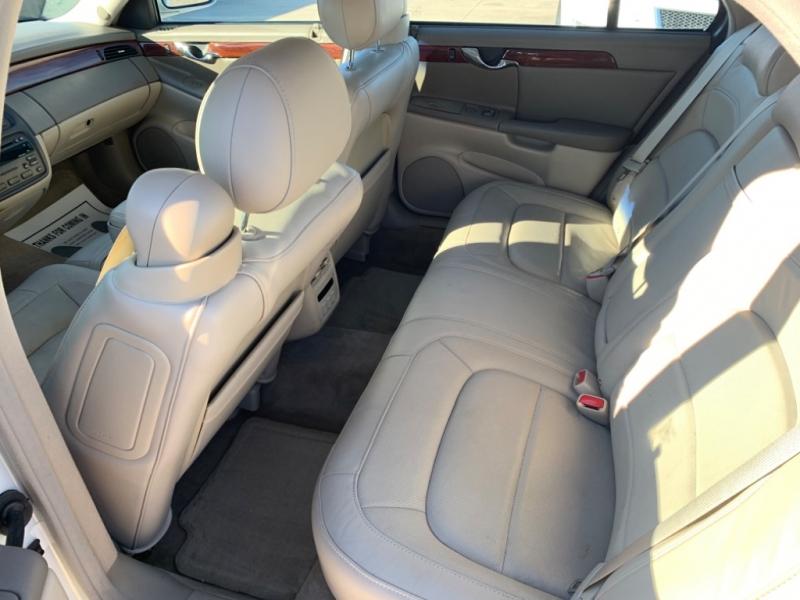 Cadillac DeVille 2004 price $2,999