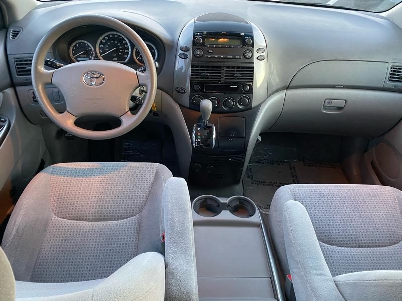 Toyota Sienna 2010 price $5,900