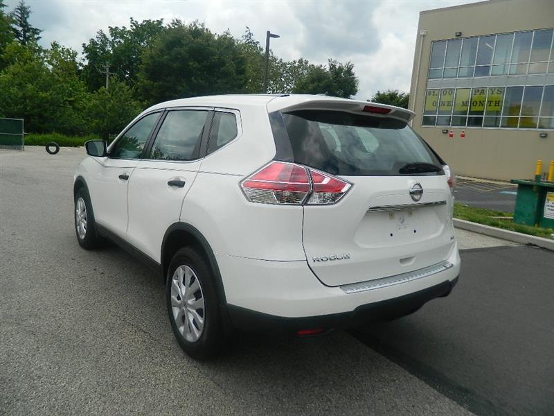 Nissan Rogue 2016 price $14,960
