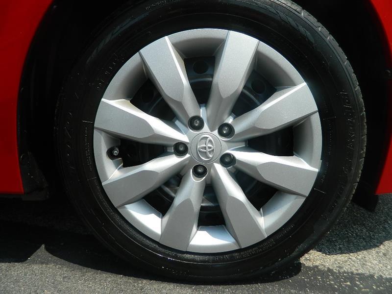 Toyota Corolla 2016 price $12,920